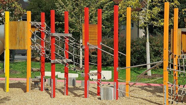 playground-2848416_640